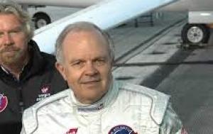 Americký vzduchoplavec Steve Fossett přeletěl v balónu nad Evropou